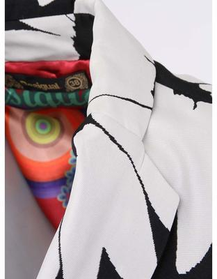 Black-and-white trench coat with flowers Desigual Native Love - 4